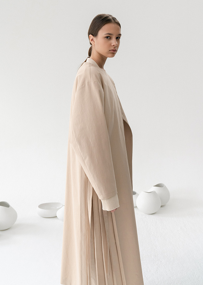 917 Side Pleated Maxi Dress Coat(Light Beige/Navy)